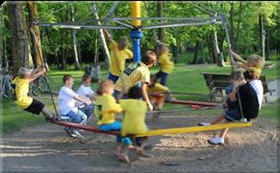 playgroundequipment_merrygoround-u7411
